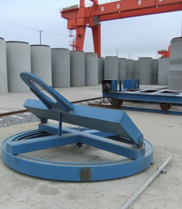 Disc sling with hook beam