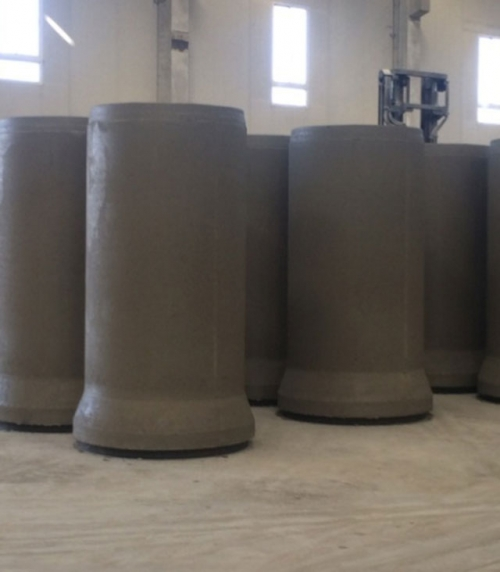 Forming pipe material for radial extrusion equipment