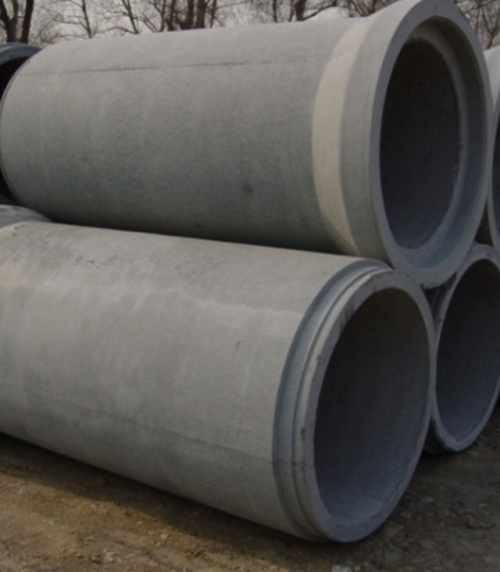 Steel reinforced concrete tube with radial extrusion socket